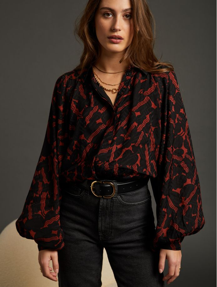 Carmin Nora shirt
