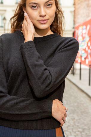 Noir Olympie sweater Idano