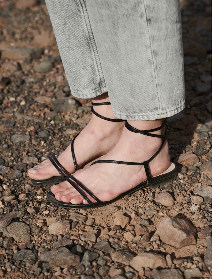 Noir Chantal sandals