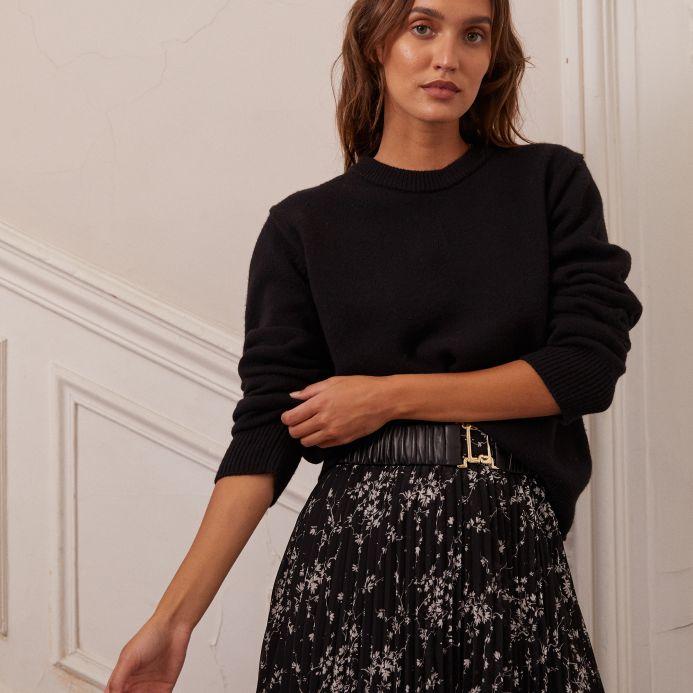 Noir Oprah sweater